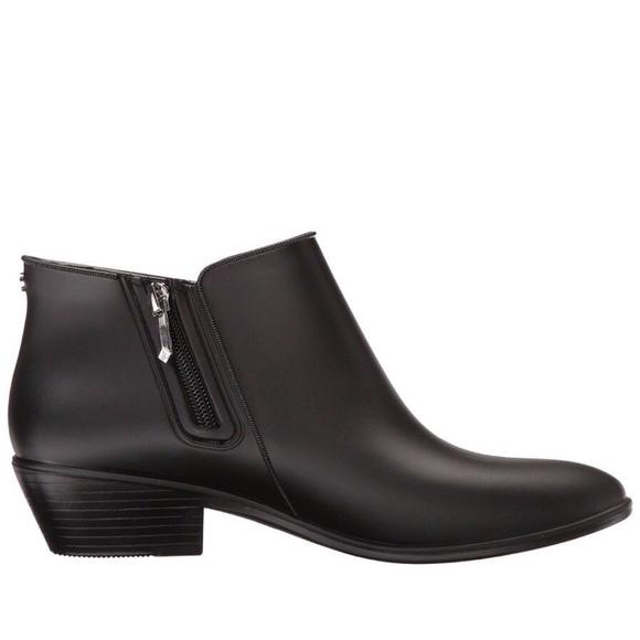 e5d32f82220c43 NEW Sam Edelman Matte Black Ankle Petty Rain Boots